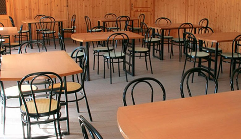 Sedie e Tavoli per comunità e collettività